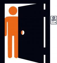 porta abrindo para morador